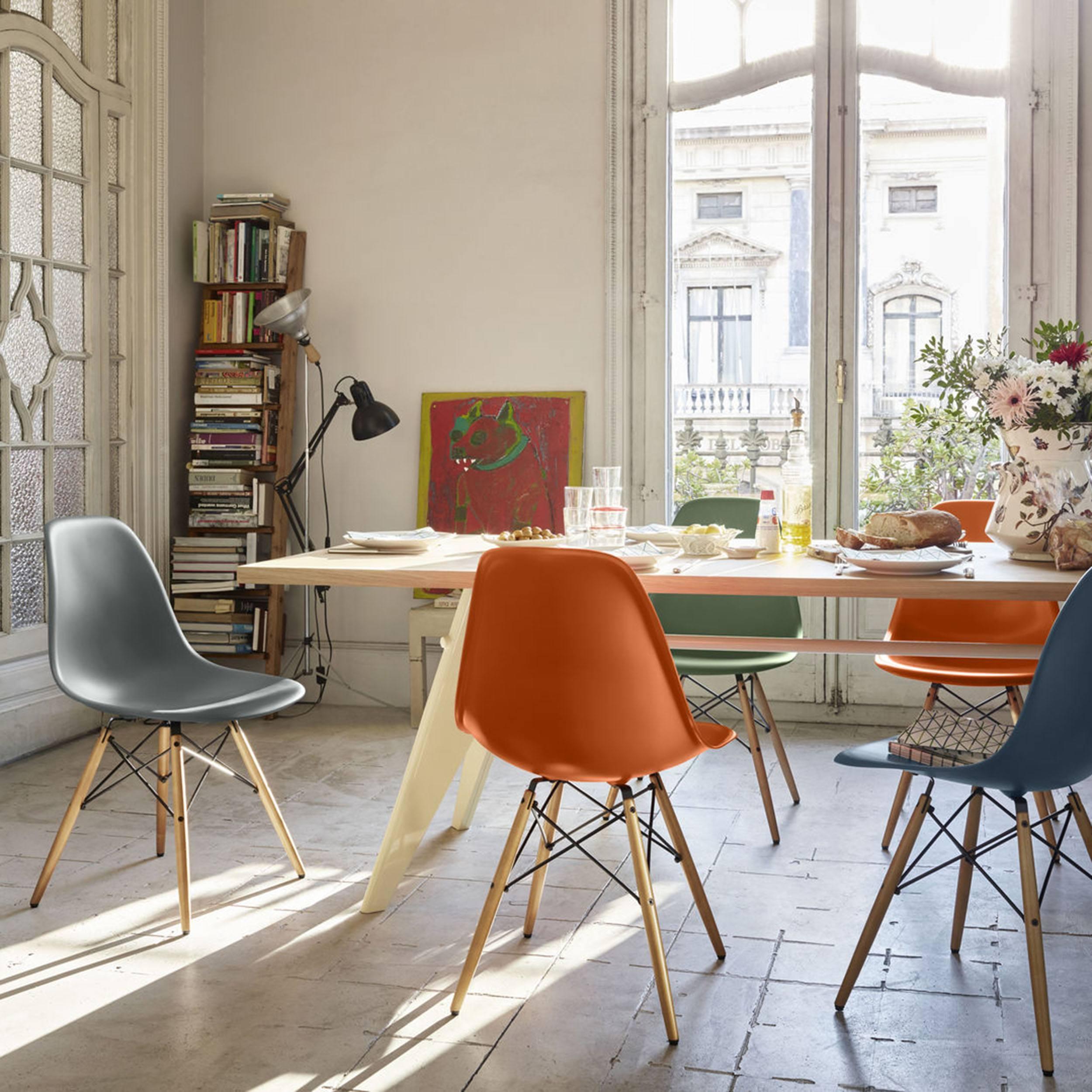 Eames Plastic Side Chair Stuhl DSW mit Filzgleitern