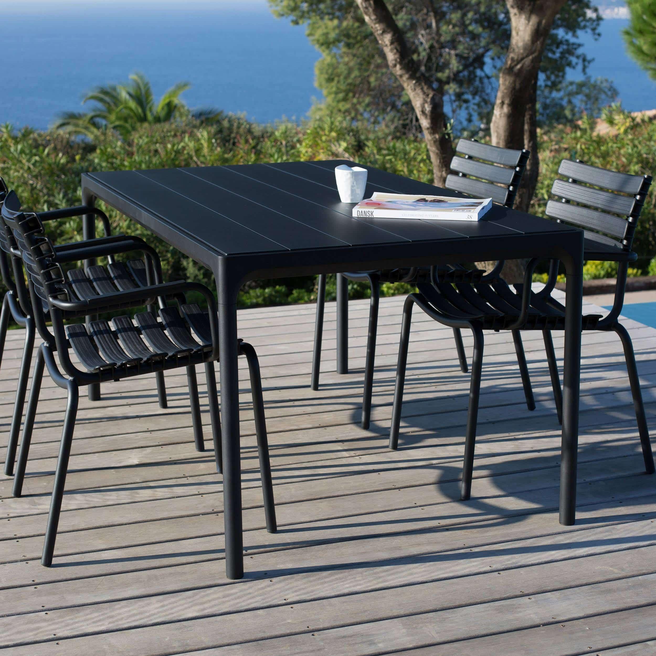 Four Outdoor Tisch