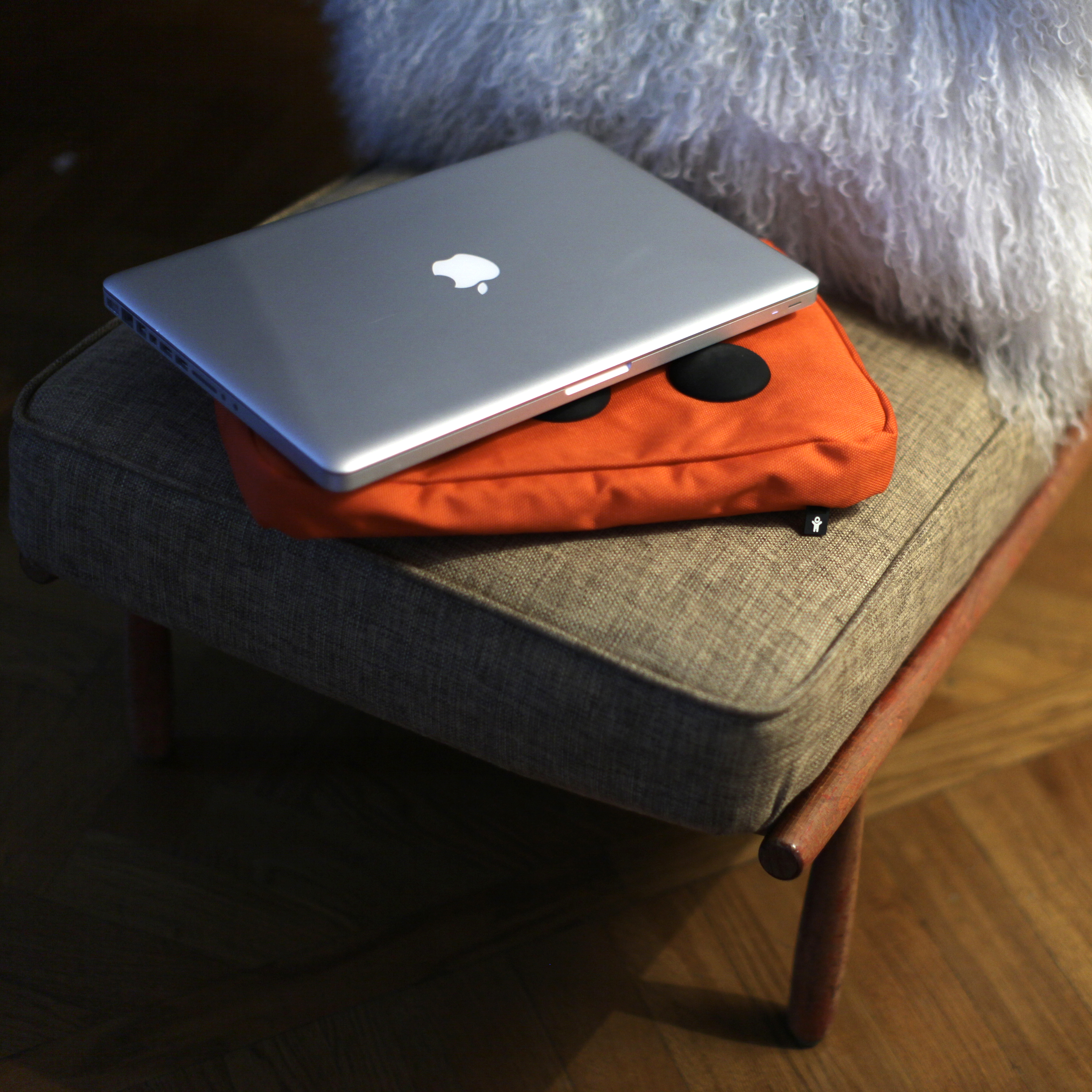 Surfpillow Hitech Laptop-Kissen