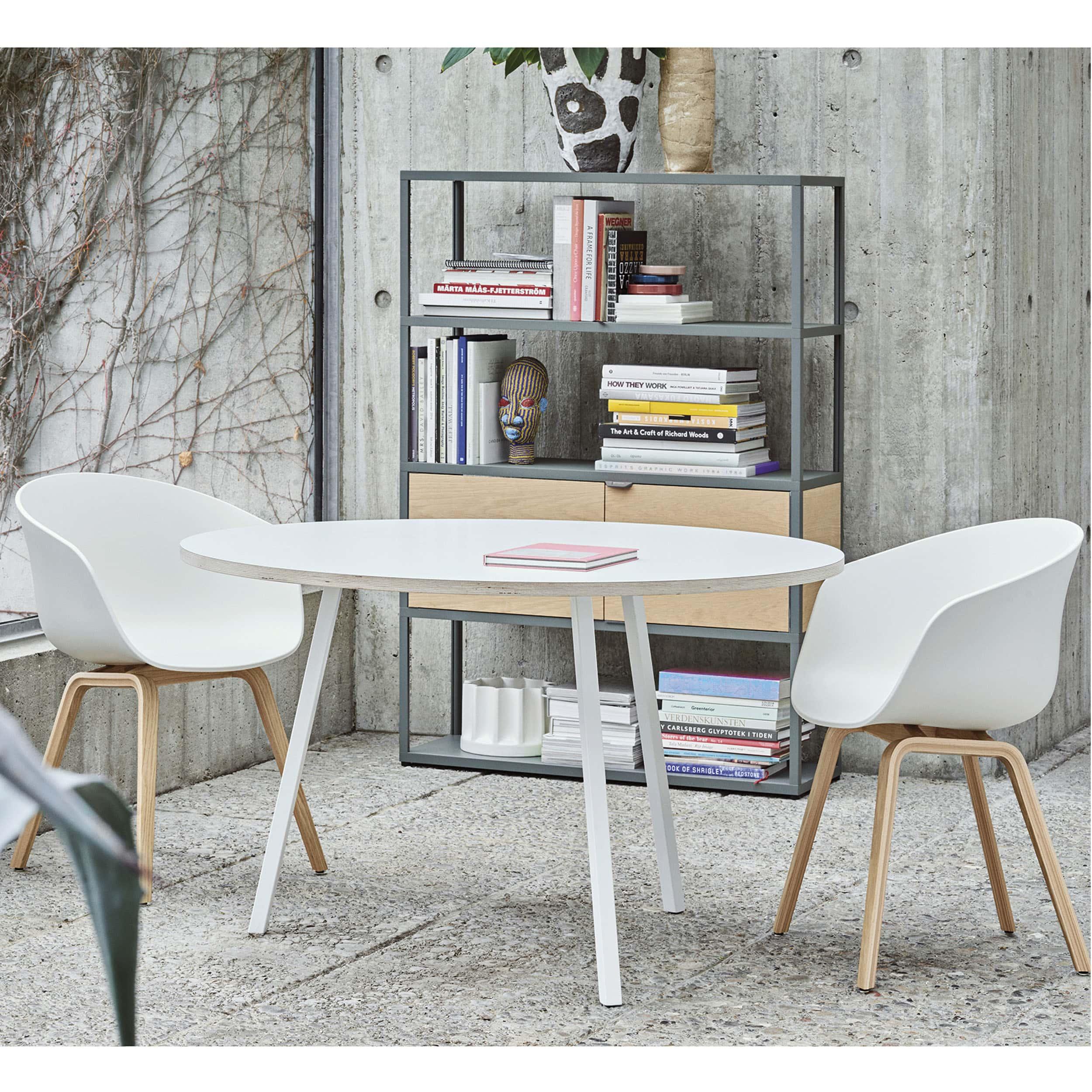 About a Chair AAC22 Stuhl lackiert