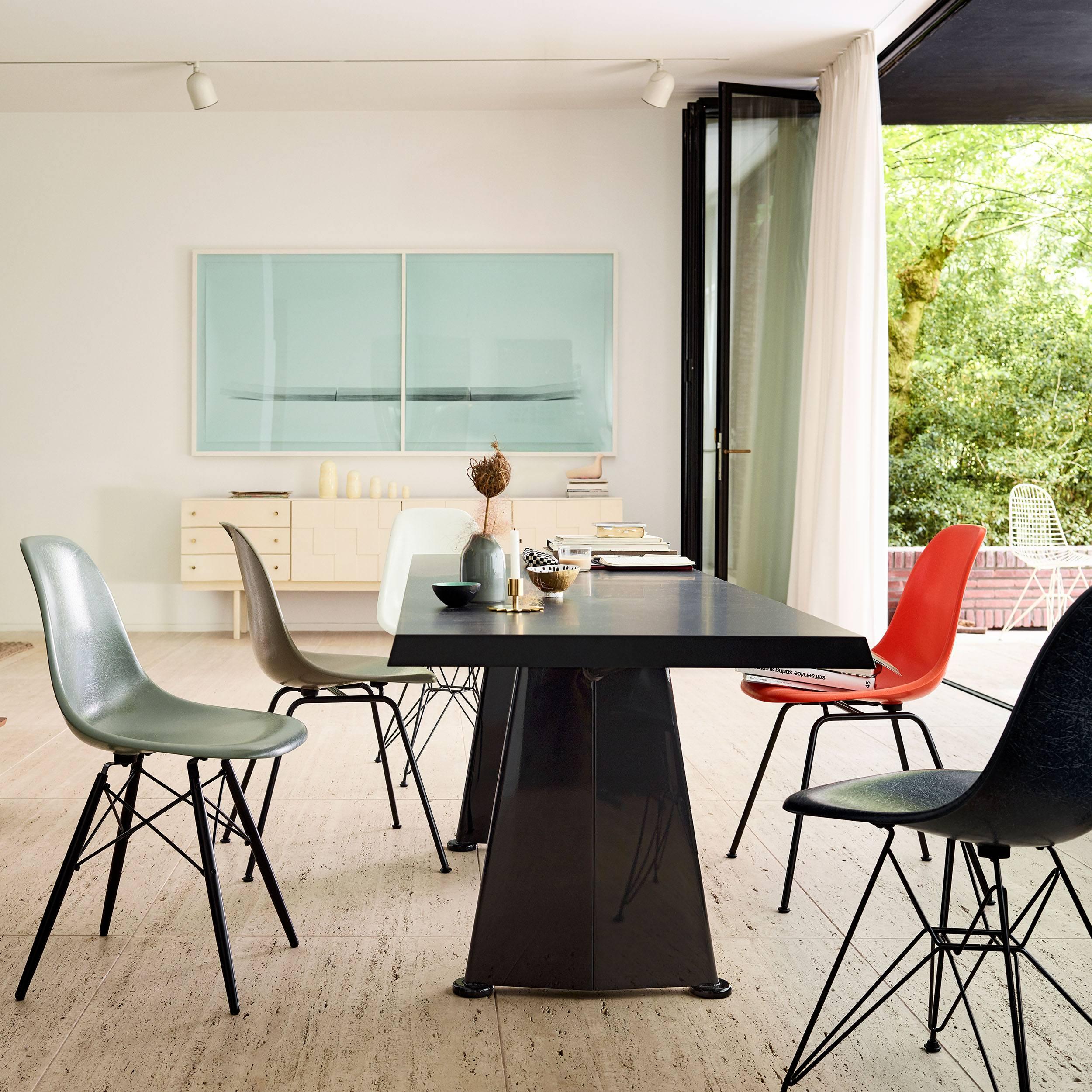 Eames Fiberglass Side Chair Stuhl DSW Kunststoffgleiter