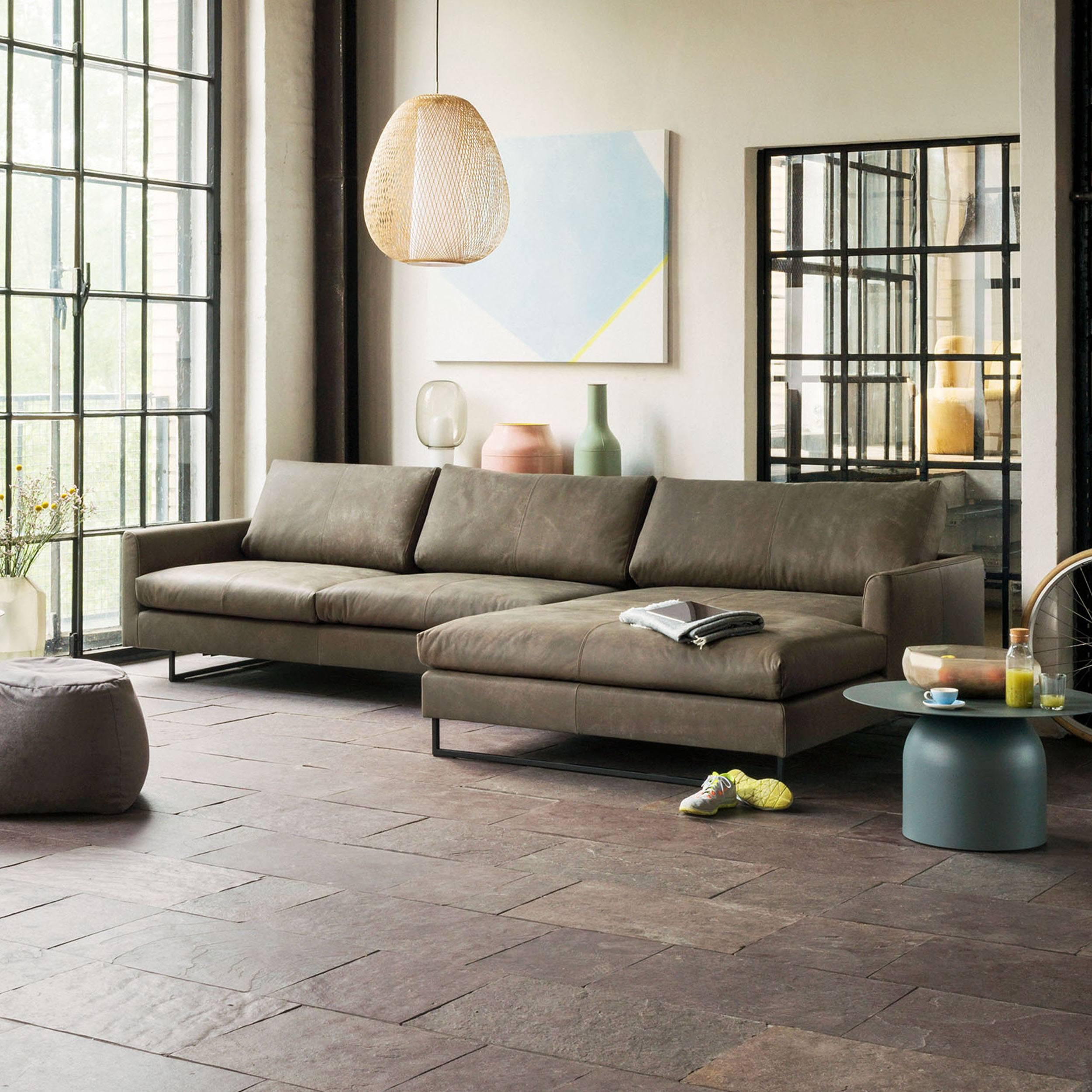 freistil 134 Sofa 2,5-Sitzer mit Longchair rechts