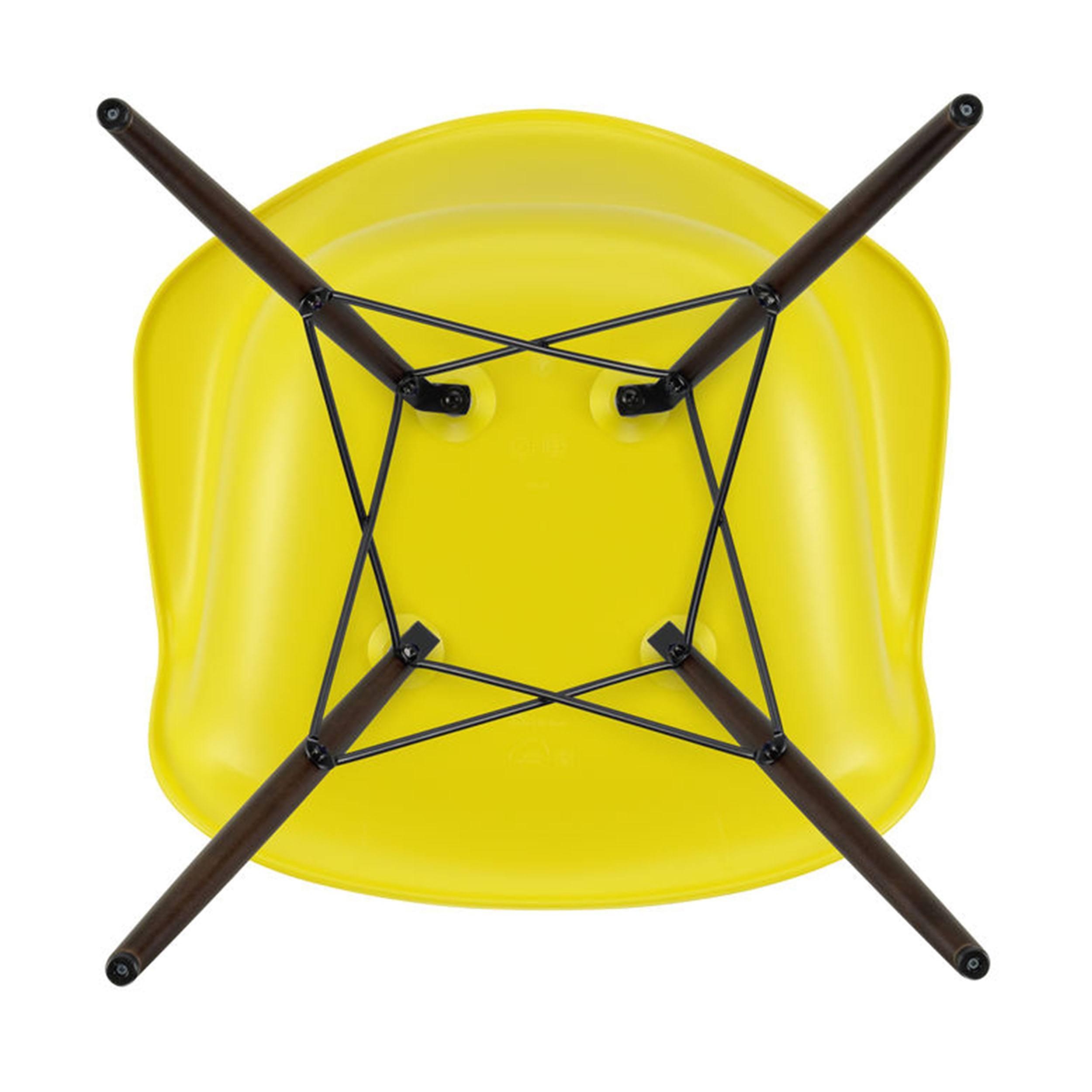 Eames Plastic Armchair Stuhl DAW mit Kunststoffgleitern