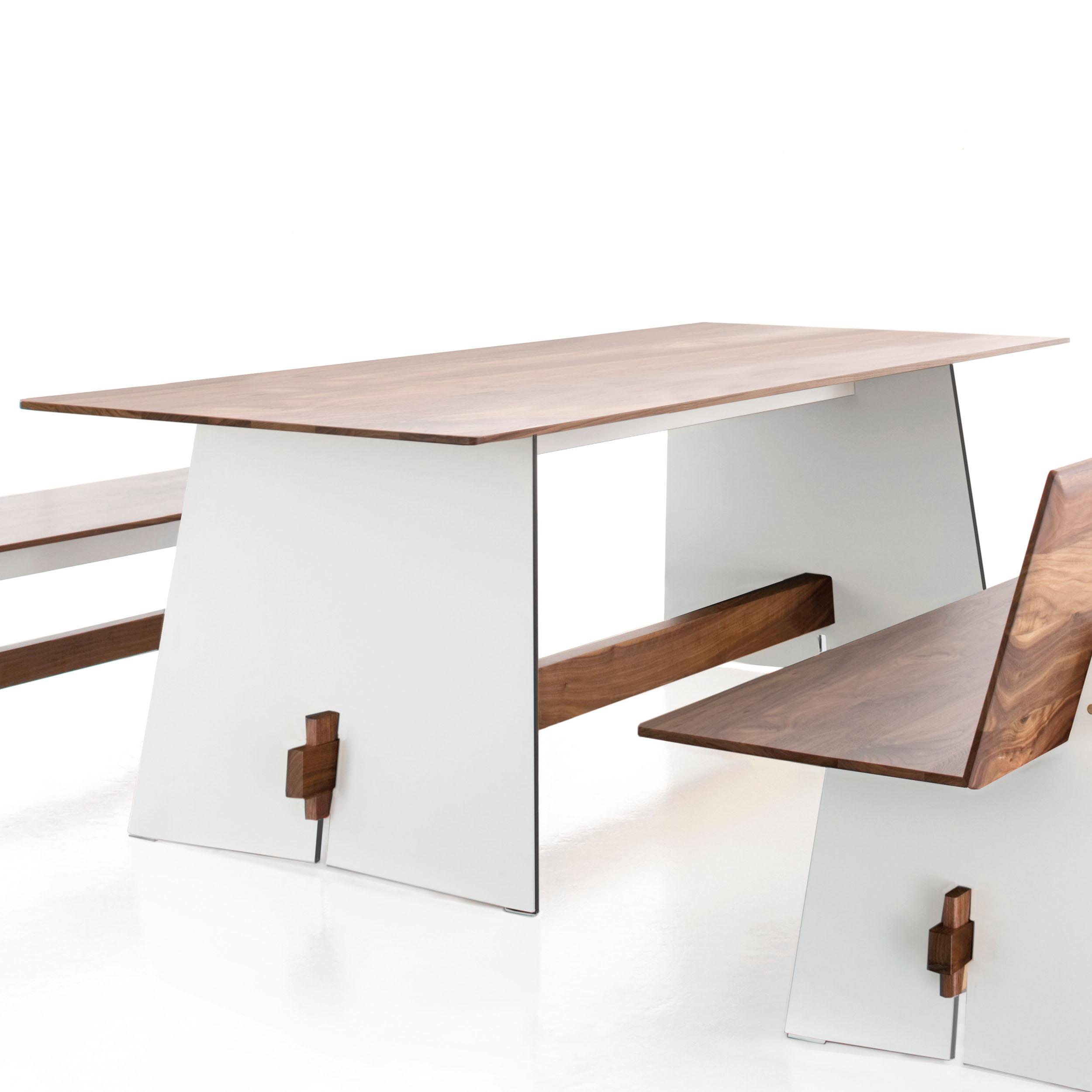 Tension Wood Tisch HPL Nussbaum