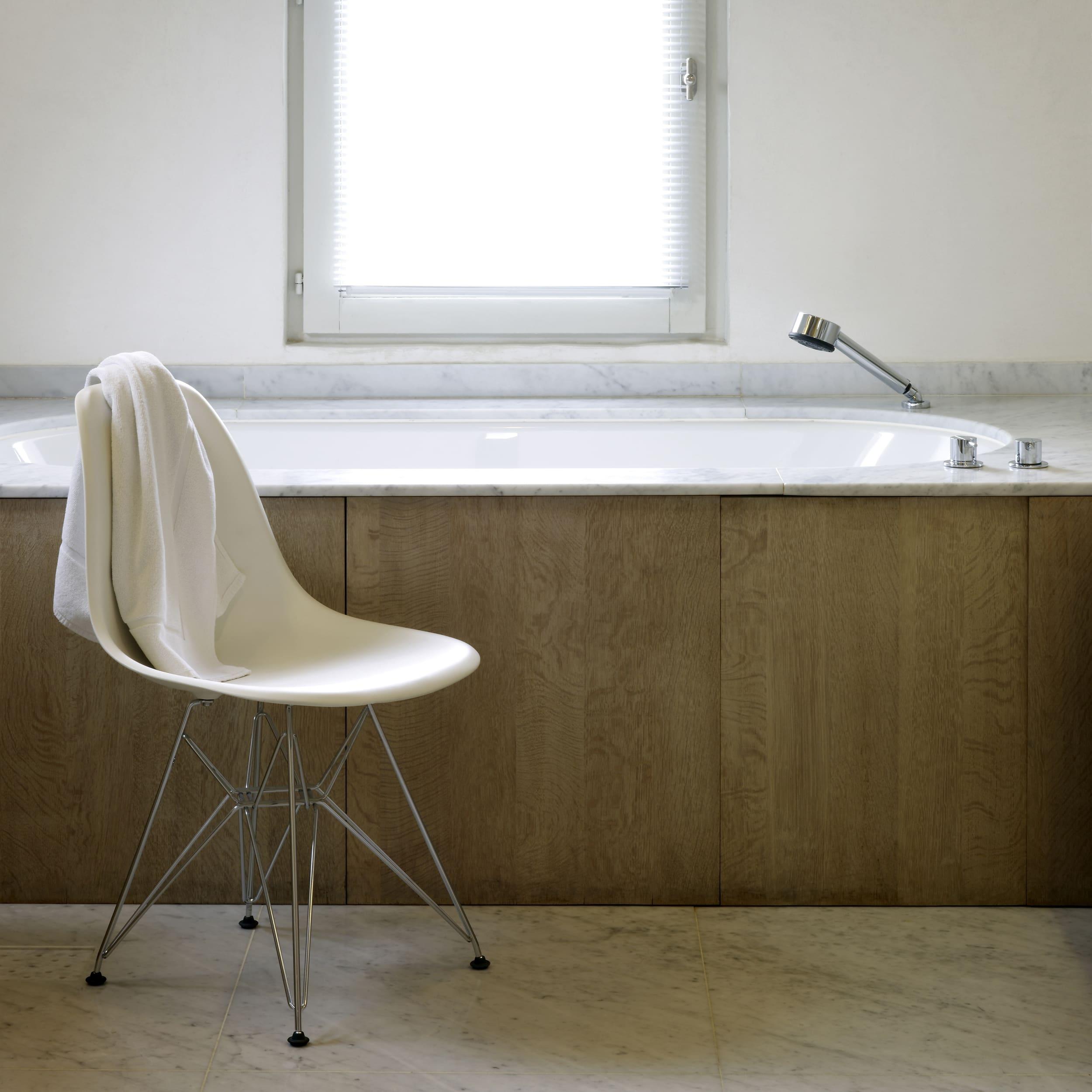 Eames Plastic Side Chair Stuhl DSR mit Kunststoffgleitern