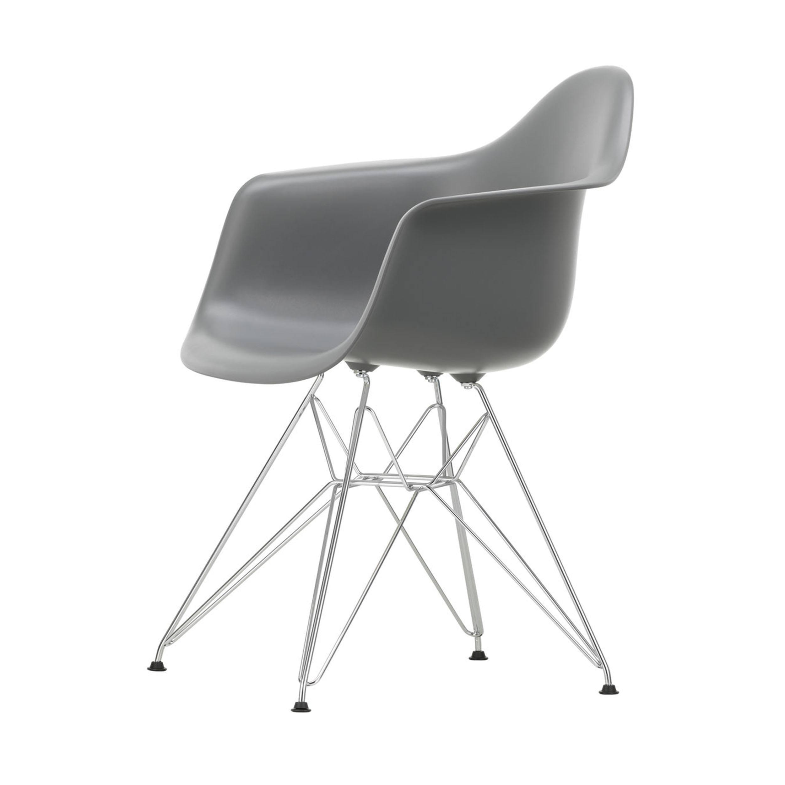Eames Plastic Armchair Stuhl DAR mit Filzgleitern