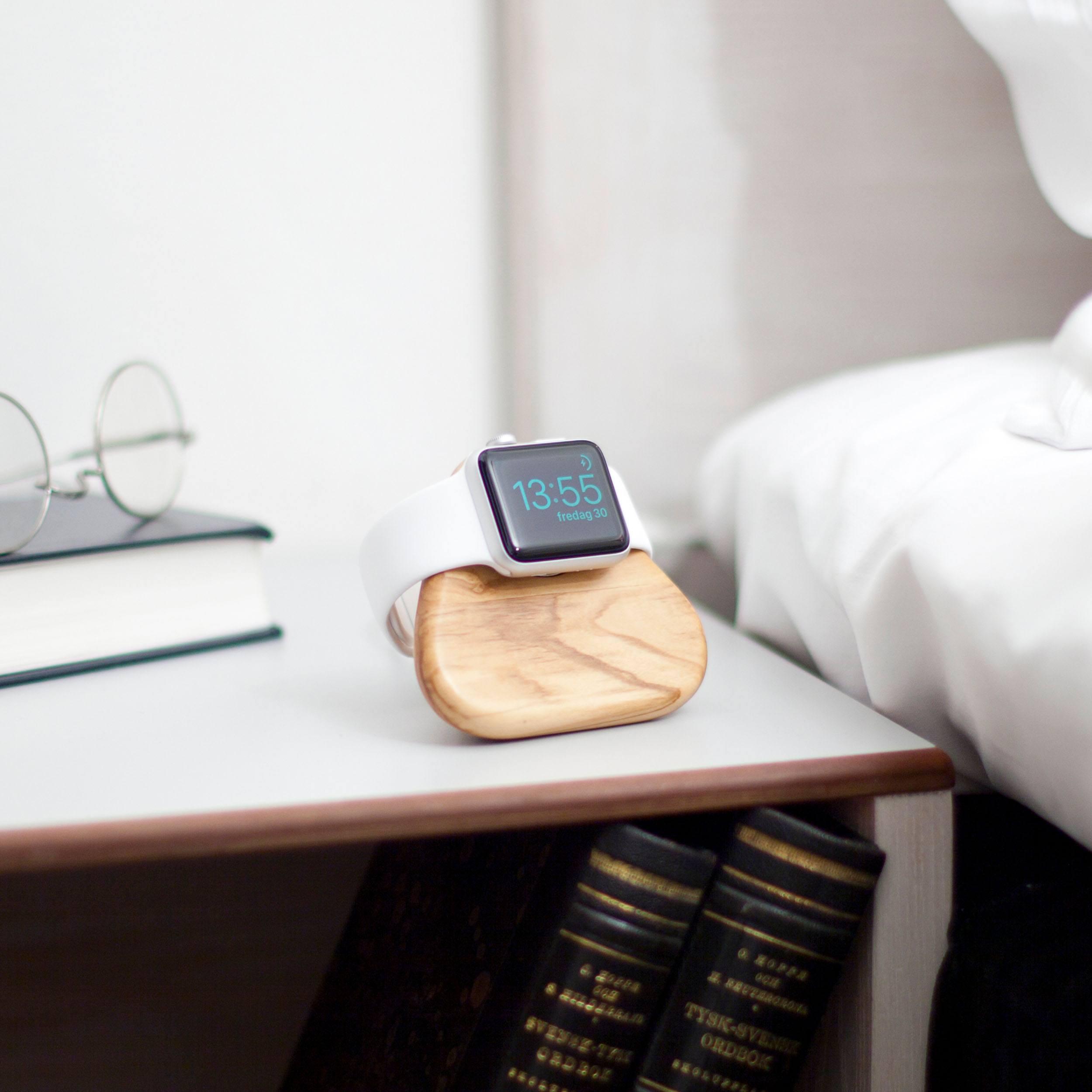 Tetra Nightstand Apple Watch Ladestation