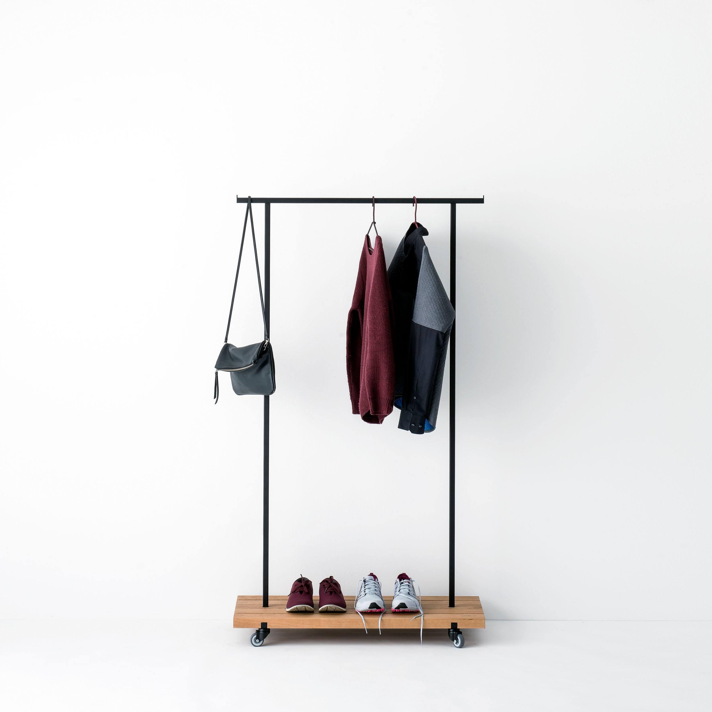 Eiche Garderobe mit Rollen