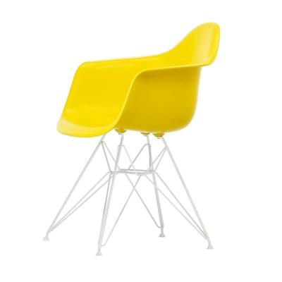 Eames Plastic Armchair Stuhl DAR Gestell weiß mit Kunstoffgleitern