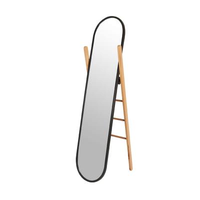 Hub Standspiegel und Kleiderständer