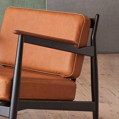 Model 107 2-Sitzer Sofa