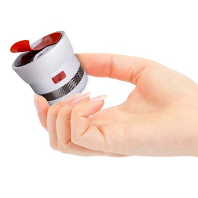 Invisible Klebesockel für Rauchmelder