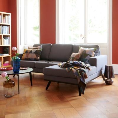 Larvik 2-Sitzer Sofa mit Longchair rechts