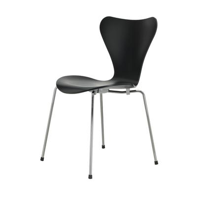Serie 7 Stuhl Esche lackiert