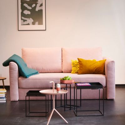 Opende Sofa mit durchgängiger Sitzbank